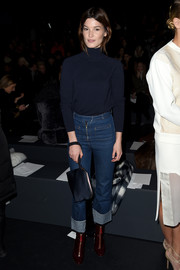 Hanneli Mustaparta kept it low-key in a navy turtleneck during the Prabal Gurung fashion show.