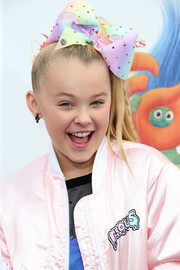 JoJo Siwa's troll earring looked perfect for the occasion!