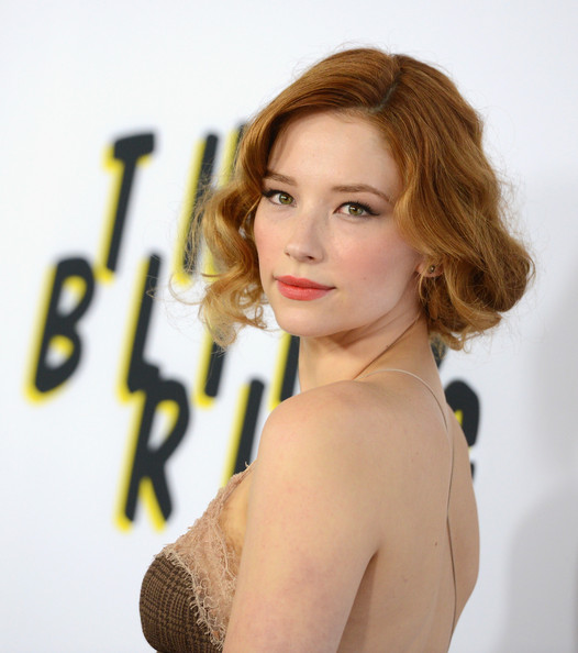More Pics of Haley Bennett Retro Updo (1 of 11) - Haley Bennett Lookbook - StyleBistro