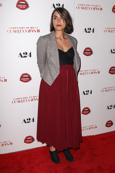 More Pics of Shannyn Sossamon Long Skirt (4 of 4) - Long Skirt Lookbook - StyleBistro
