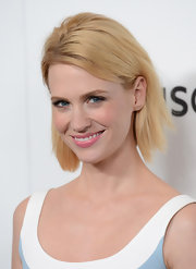 January Jones opted for a pale pink lip color to give her red carpet look a girlish-touch.