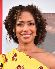 Gina Torres styled her hair into a curly updo for the premiere of 'Equalizer 2.'