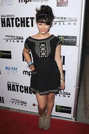 Fivel Stewart partnered her dress with a pair of studded suede ankle boots at the 'Hatchet II' premiere.