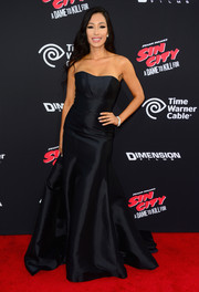 Kea Ho was a scene stealer in a glamorous black strapless gown during the 'Sin City: A Dame to Kill For' premiere.