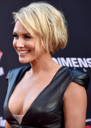 Nicky Whelan looked fab with her messy faux bob at the 'Sin City: A Dame to Kill For' premiere.