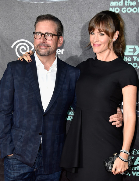Jennifer Garner carried a black and silver sequin clutch by Oscar de la Renta for a little adornment to her simple LBD at the 'Alexander and the Terrible, Horrible, No Good, Very Bad Day' premiere.