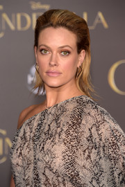 Peta Murgatroyd brought a dose of punk to the 'Cinderella' premiere with this teased and brushed-back 'do.