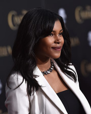 Diamond White wore her tresses down with barely-there waves during the Hollywood premiere of 'Cinderella.'