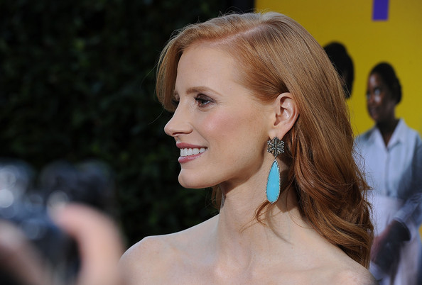 More Pics of Jessica Chastain Dangling Diamond Earrings (2 of 10) - Jessica Chastain Lookbook - StyleBistro