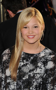 This sleek and straight look was perfect on Olivia Holt.