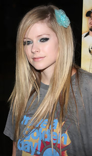 Avril makes her baby blues shimmer in sparkling sea eyeshadow for the premiere of 'The Dry Land.'