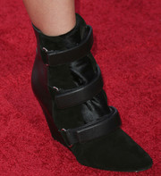 Winter Ave Zoli attended the 'Sons of Anarchy' season 6 premiere looking edgy-chic in her black wedge boots.