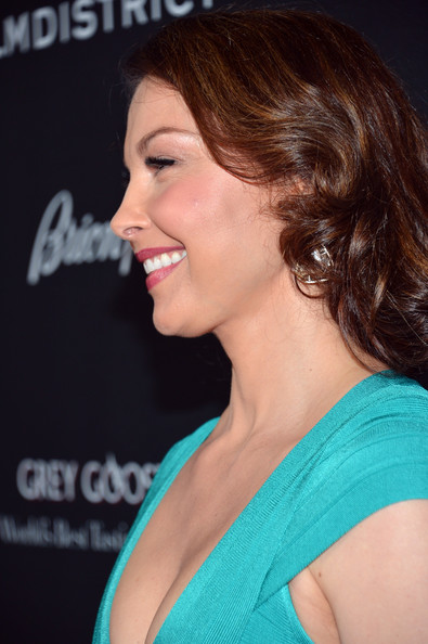 More Pics of Ashley Judd Satin Clutch (1 of 30) - Ashley Judd Lookbook - StyleBistro