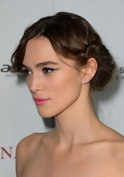 Keira twist her hair back into this romantic chignon for the premiere of 'Anna Karenina.'