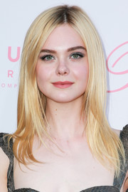 Elle Fanning looked stylish wearing this layered cut with an off-center part at the premiere of 'The Beguiled.'