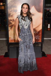 Turning once again to her favorite Louis Vuitton, Alicia Vikander chose this beaded gray and white gown that oozed plenty of boho romance for her 'Danish Girl' premiere look.