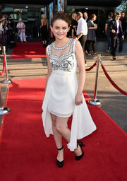 Joey King made a fancy choice with this drapey, embroidered Lumier by Bariano LWD for the premiere of 'Wish I Was Here.'