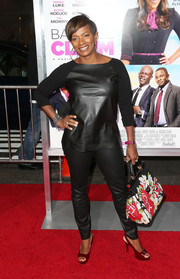 Vanessa Bell Calloway rocked a leather-on-leather top and skinnies combo at the 'Baggage Claim' premiere.