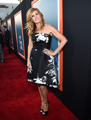 Connie Britton chose a pair of black ankle-strap peep-toes to complete her look.