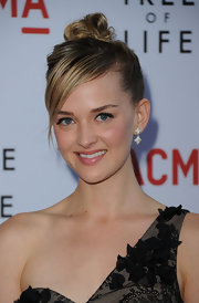 Jess Weixler paired her elegant updo with Quatrefoil drop earrings at the premiere of 'Tree of Life.'