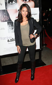 Shannon wears a black blazer with leather shoudler inserts and rolled up cuffs to the 'Frankie and Alice' premiere.