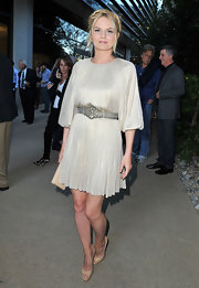 Jennifer sported this elegant, ethereal dress in a soft nude color at the 'Some Girl(s)' premiere.