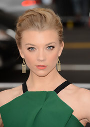 Natalie Dormer swept back her blonde tresses into this slightly undone updo for a super-sexy look at the 'Game of Thrones' red carpet.