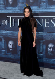 Lisa Bonet was a goth beauty in a high-neck black velvet gown at the 'Game of Thrones' season 6 premiere.