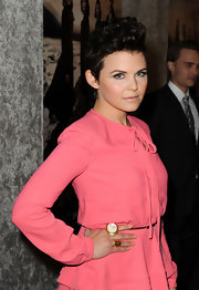 Ginnifer Goodwin wore a large mother-of-pearl statement ring at the season five premiere of 'Big Love.'