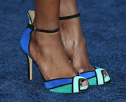 Sufe Bradshaw brought some color to her toes with this pair of blue, green, and black pumps.