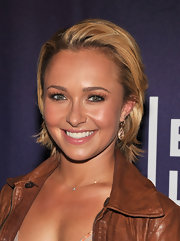 Hayden Panettiere attended a screening of Hoodwinked Too at the Tribeca Film Festival wearing a Lauren Joy Mini necklace in 14-karat rose gold with diamonds.