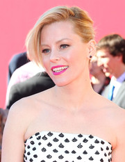 Elizabeth Banks went to the premiere of 'The Lego Movie' wearing a bun with a punky twist.