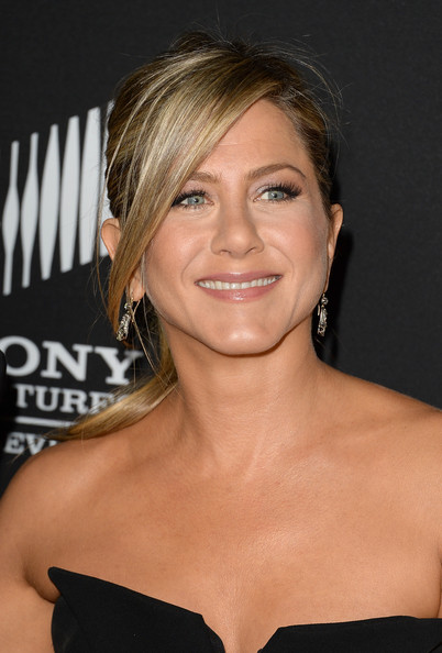 More Pics of Jennifer Aniston Suede Clutch (4 of 76) - Jennifer Aniston Lookbook - StyleBistro