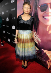 Jeannie Mai donned a body-con black velvet crop-top for the premiere of 'The Choice.'