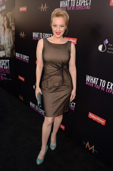 Wendi McLendon-Covey matched her muted aqua peep toe pumps to her purse for the premiere of 'What to Expect When You're Expecting.'