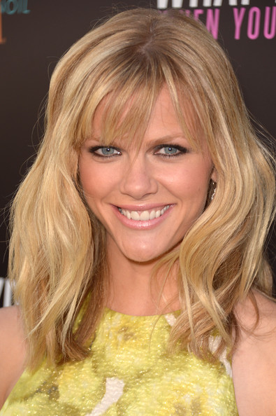More Pics of Brooklyn Decker Pink Lipstick (1 of 16) - Brooklyn Decker Lookbook - StyleBistro