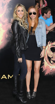 Tish was definitely a rockstar mom with her studded leather jacket at the 'Hunger Games' premiere.