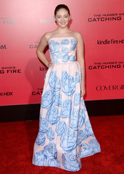 Willow Shields looked enchanting in a strapless floral gown by Katie Ermilio during the 'Catching Fire' LA premiere.