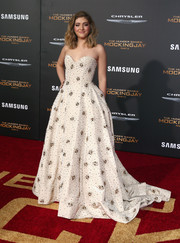Willow Shields worked a princess vibe in a beaded, strapless ball gown by Naeem Khan at the 'Hunger Games: Mockingjay - Part 2' premiere.