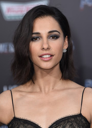 Naomi Scott wore a short, subtly wavy hairstyle at the LA premiere of 'Power Rangers.'