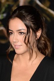 Chloe Bennet wore a her hair in a messy-sexy ponytail during the premiere of 'Thor: The Dark World.'