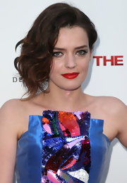 Roxane Mesquida looked very dramatic with this side-swept 'do at the 'Iceman' premiere.