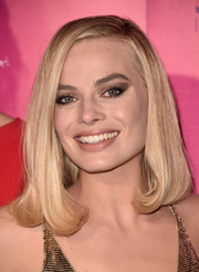 Margot Robbie wore her hair in a neat lob at the premiere of 'I, Tonya.'