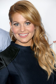 Candace Cameron Bure looked sweet with her side-swept waves at the premiere of 'Fuller House.'