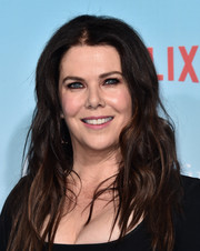 Lauren Graham wore her hair in messy waves at the premiere of 'Gilmore Girls: A Year in the Life.'