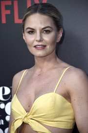 Jennifer Morrison opted for a simple center-parted bun when she attended the premiere of 'Sierra Burgess is a Loser.'