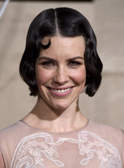 Evangeline Lilly looked like she just stepped out of the 1920s with this perfectly styled finger wave during the 'Hobbit' premiere.