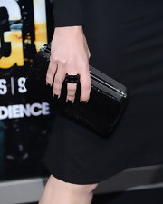 Patty Ishimoto kept her red carpet attire all black with this beaded black clutch.