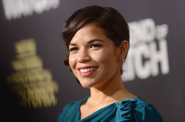 More Pics of America Ferrera Hard Case Clutch (3 of 30) - America Ferrera Lookbook - StyleBistro