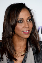 Holly Robinson Peete sported a casual layered cut at the premiere of 'Justin Bieber's Believe.'